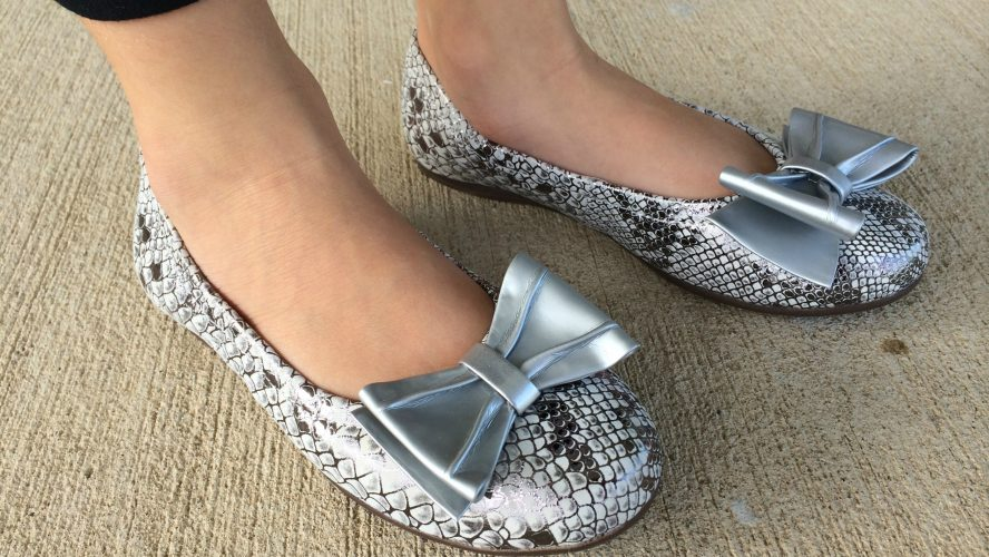 How To Wear Flat Shoes With Style